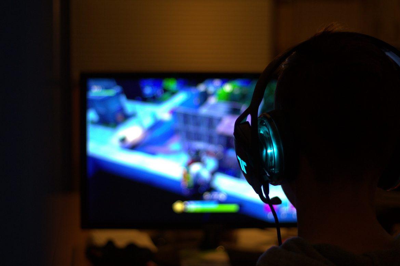 Comment jouer à la touche W dans Fortnite et devenir un joueur agressif